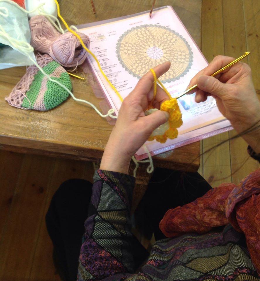 編み物サークルの様子