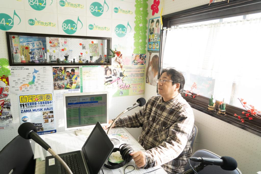 地域住民にとって本当に大切な情報をお届けしたい。海老名市を中心とした神奈川県 県央エリアのコミュニティFM局「FMカオン」の局長 天野哲也さんインタビューの画像