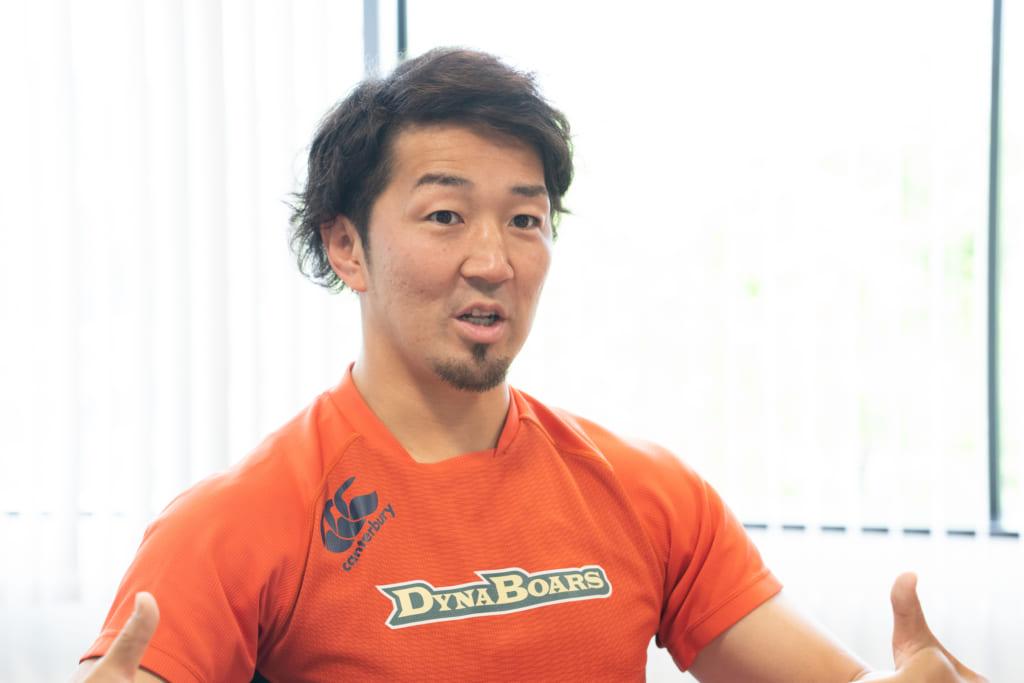 ラグビーを始めたころのお話をする阿久田選手