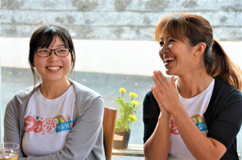 サブリーダーの小林さん(左)とリーダーの山田さん