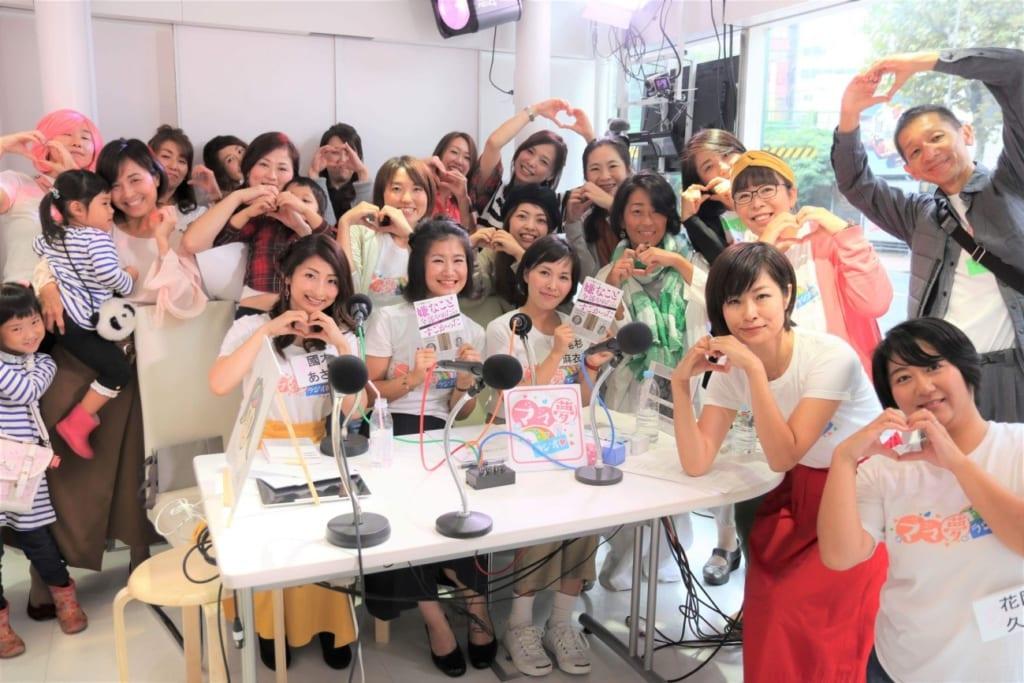 ママ夢ラジオ♡渋谷クロスFMの放送ブースの様子