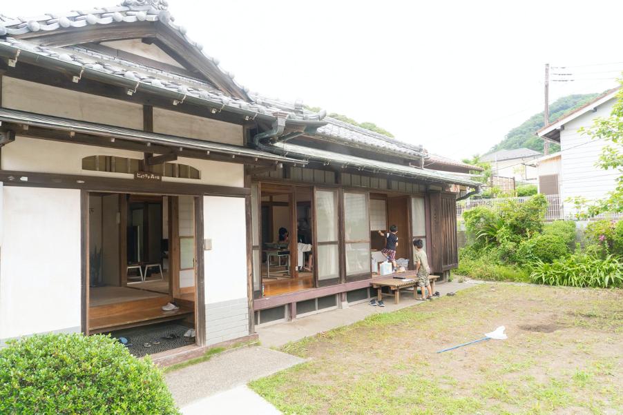 ヒミツキチ森学園は葉山町の古民家をプロジェクトメンバーでリフォームして創りあげている