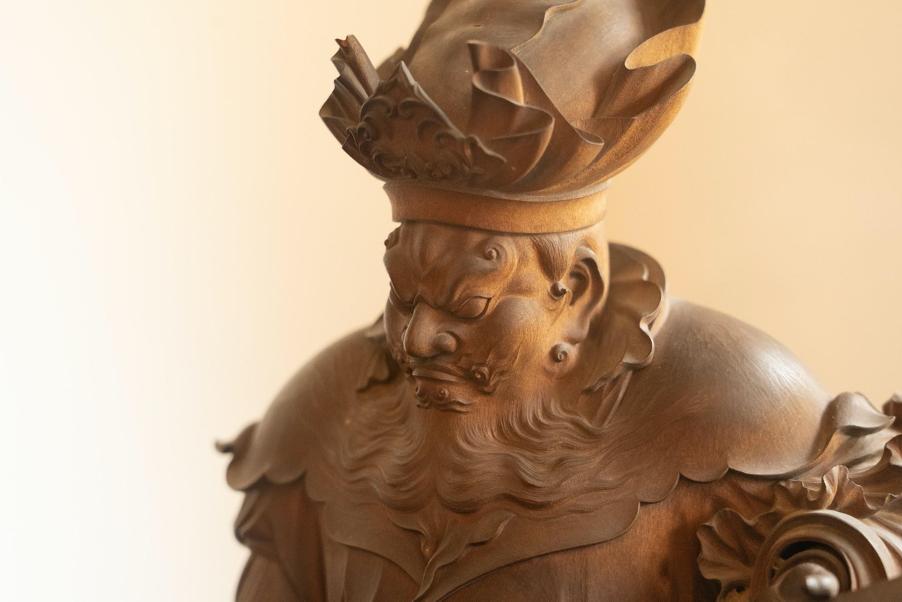 鎌倉にある博古堂の鎌倉彫像