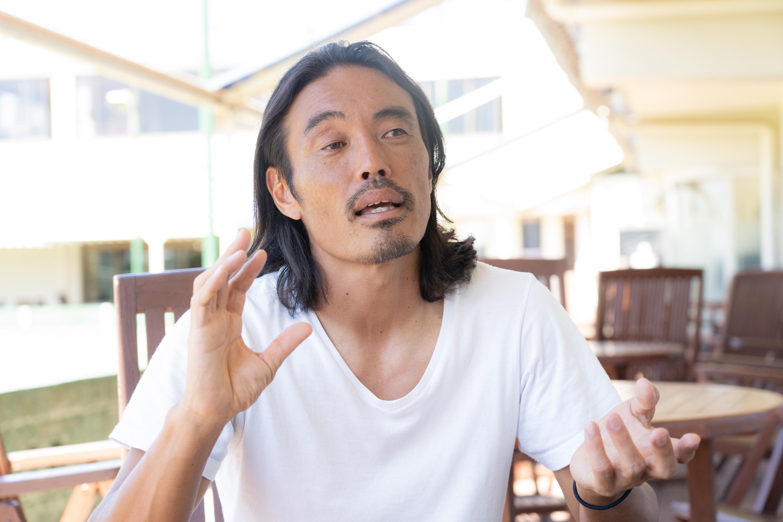 安彦さんは現役を引退してから3年間通訳として活動する