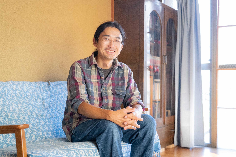 真鶴町でイラストレーターとして活動する山田将志さん