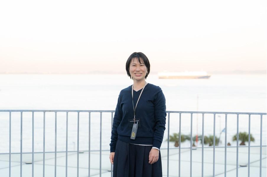 自然を感じながらアートを楽しむ!横須賀美術館 学芸員・立浪佐和子さんのインタビューの画像
