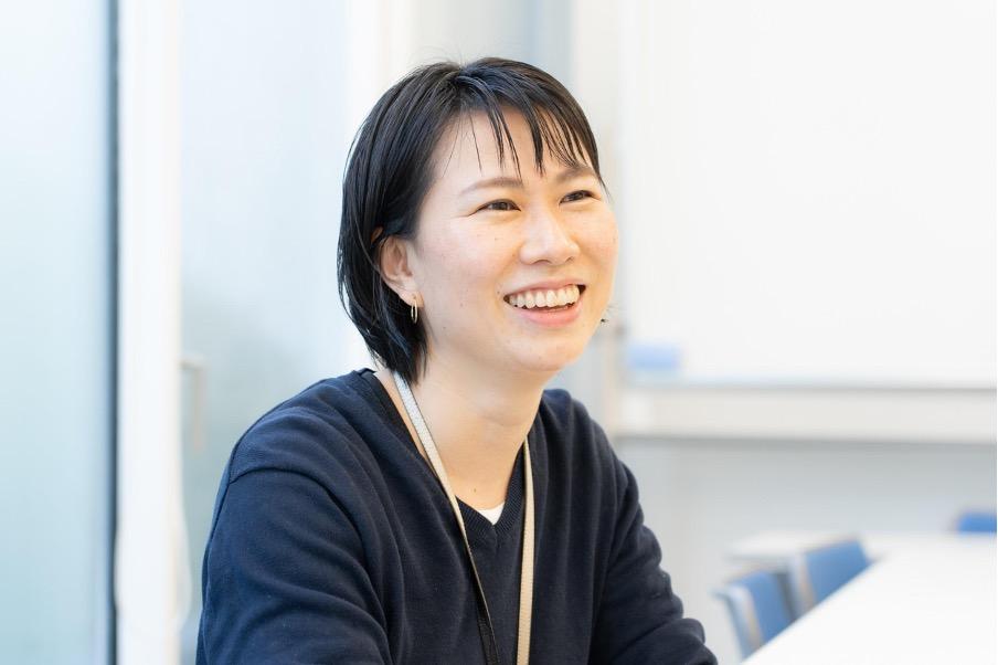 横須賀美術館の設立経緯について話す立浪佐和子さん