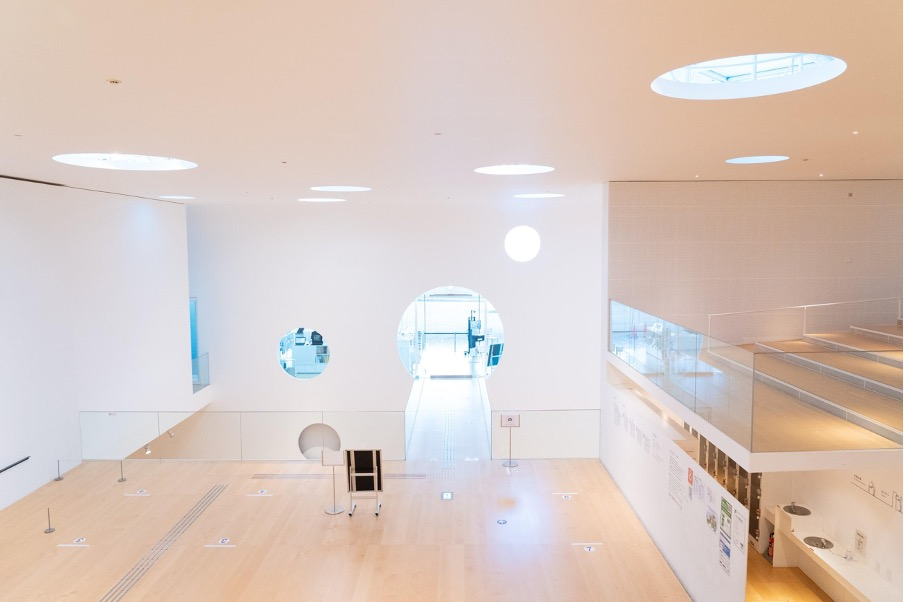横須賀美術館は館内にも拘っている