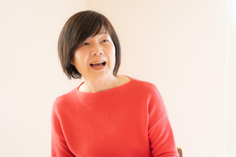 丸岡さんは、時折笑顔を見せながらお話してくれました