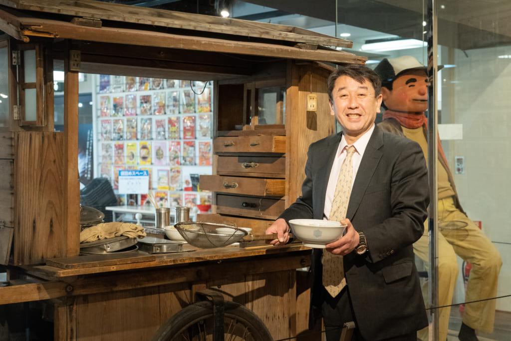 自身が生まれた新横浜の街に昔ながらの空間を作り、街の活性化を図る!ラーメンの歴史を知り、伝えていくことが使命と語る株式会社新横浜ラーメン博物館の代表取締役 岩岡洋志(いわおかようじ)さんインタビューの画像