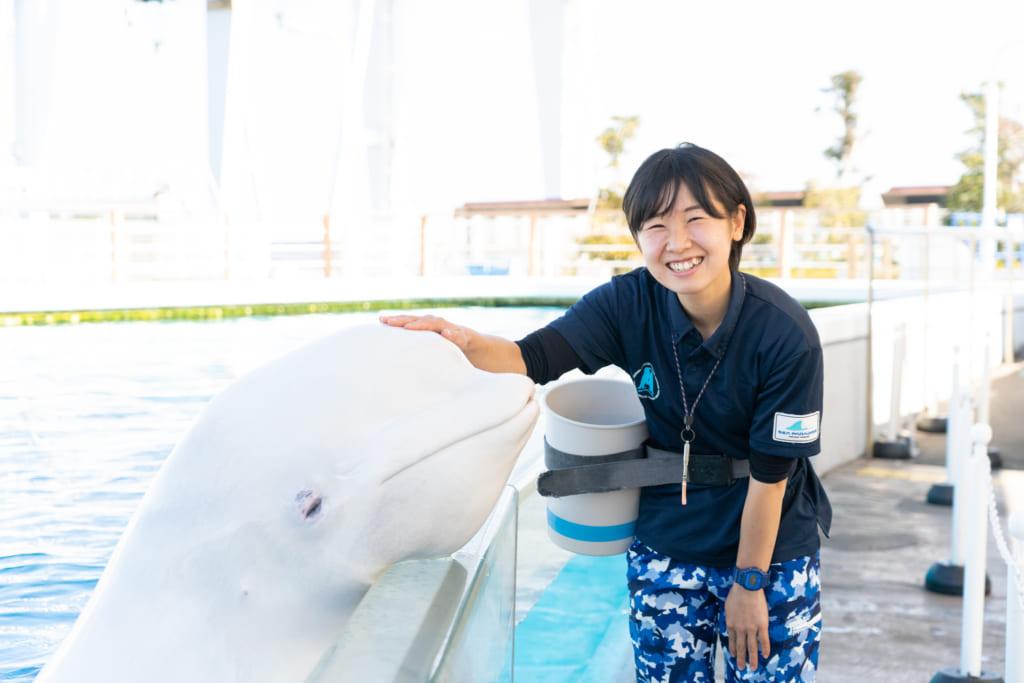幼少期から通った横浜・八景島シーパラダイスで海の生きものたちの魅力を伝えていきたい!ふれあいラグーンの飼育員・西川弥緒(にしかわねお)さんのインタビューです。の画像