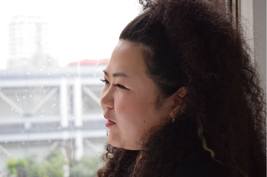 ALSという病気をたくさんの人に知ってもらいたい!会社員を続けながら大切な人のために歌い続けるシンガー Hanaさんのインタビューです!の画像