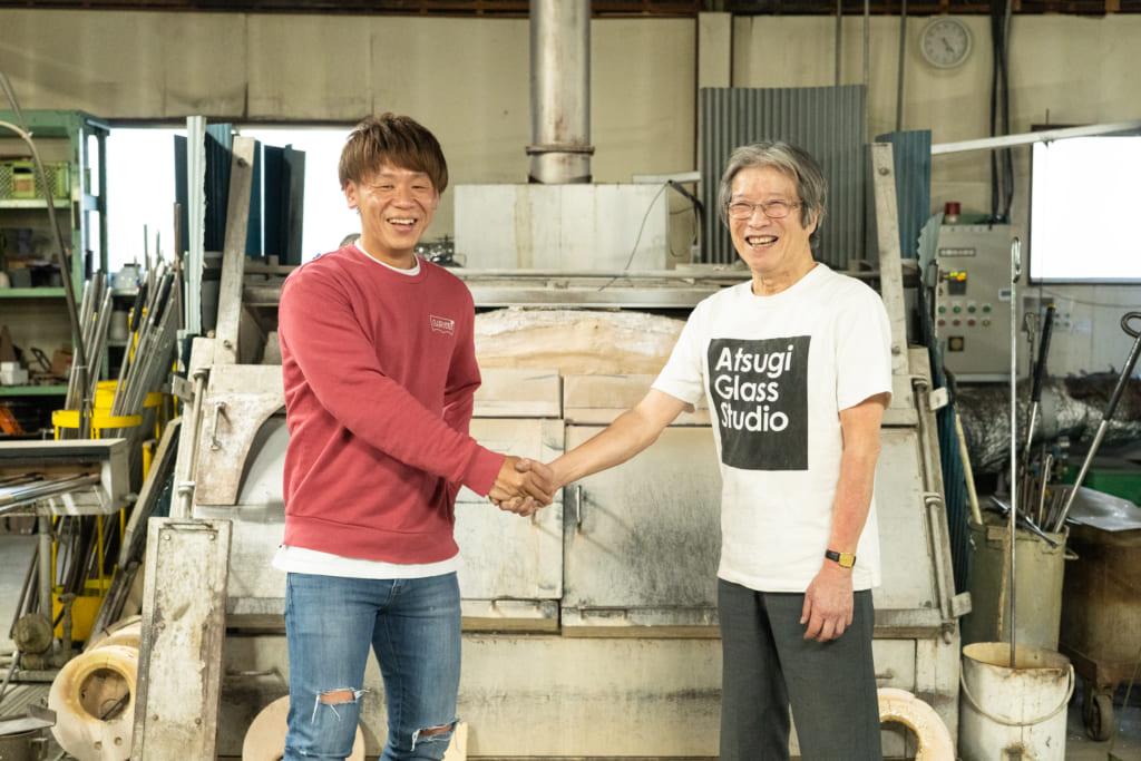 周囲の声で生まれ変わった厚木グラススタジオ! そこで専属職人として活動する山口浩二さんと代表取締役社長を務める梶宏光さんにインタビューしてきました!の画像